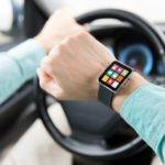 Mit der Smartwatch sicher Autofahren