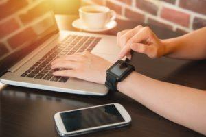 Was zeichnet eine Smartwatch aus?